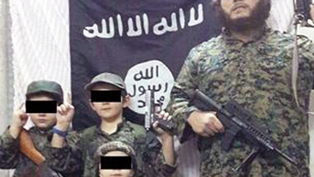 'Radicalized' father of Australian boy holding severed head has mental illness