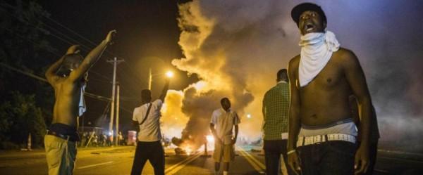 Holder Visits Ferguson amid Federal Probe into Michael Brown Death